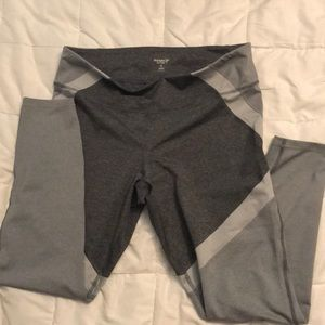 Old Navy Go Active Compression Legginngs